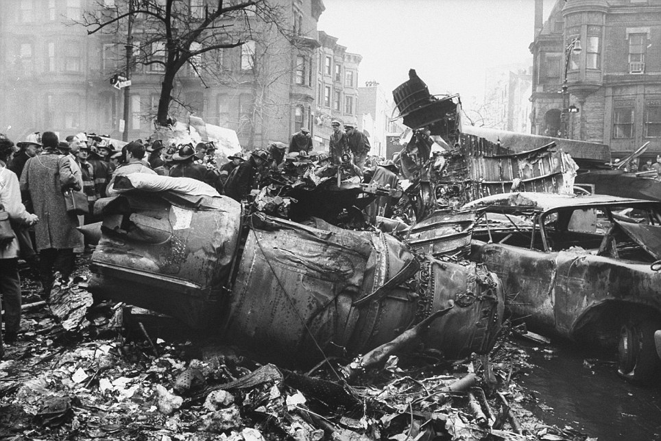 https://www.dailymail.co.uk/news/article-2086028/Photos-1960-Brooklyn-airline-crash-sparked-new-era-black-boxes.html
