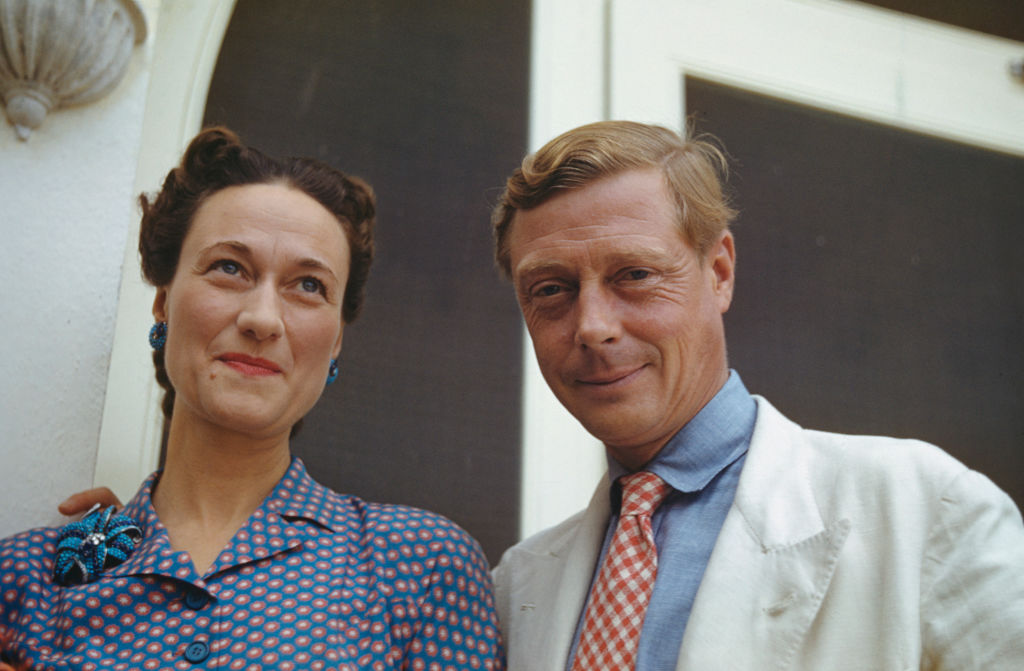 https://www.cheatsheet.com/entertainment/wallis-simpson-turned-edward-viii-into-a-fool-to-abdicate-the-throne-changing-british-royal-history-forever.html/
