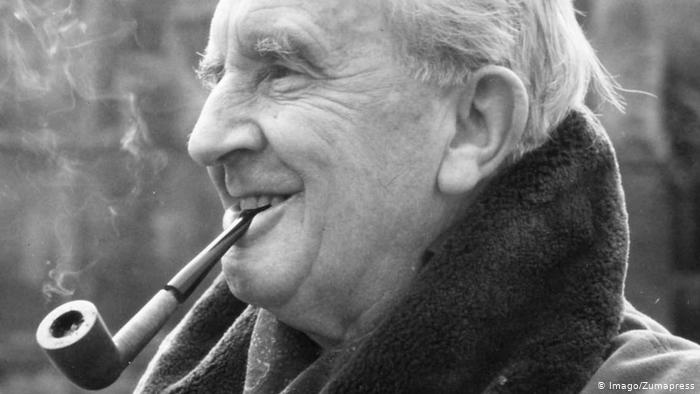 https://www.dw.com/en/jrr-tolkien-book-published-after-100-years/a-39075936