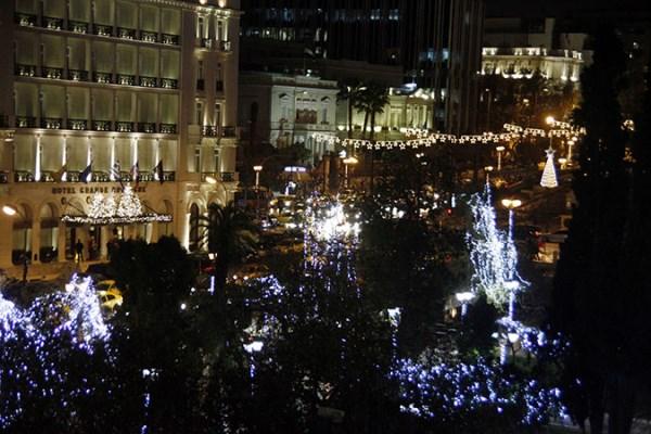 Χριστουγεννιάτικα έθιμα: Καραβάκια, γουρουνόπουλα και... χριστόξυλα