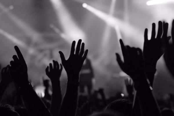 Ανθρωποι της μουσικής απαντούν: Tι κάνει ένα τραγούδι διαχρονικό;
