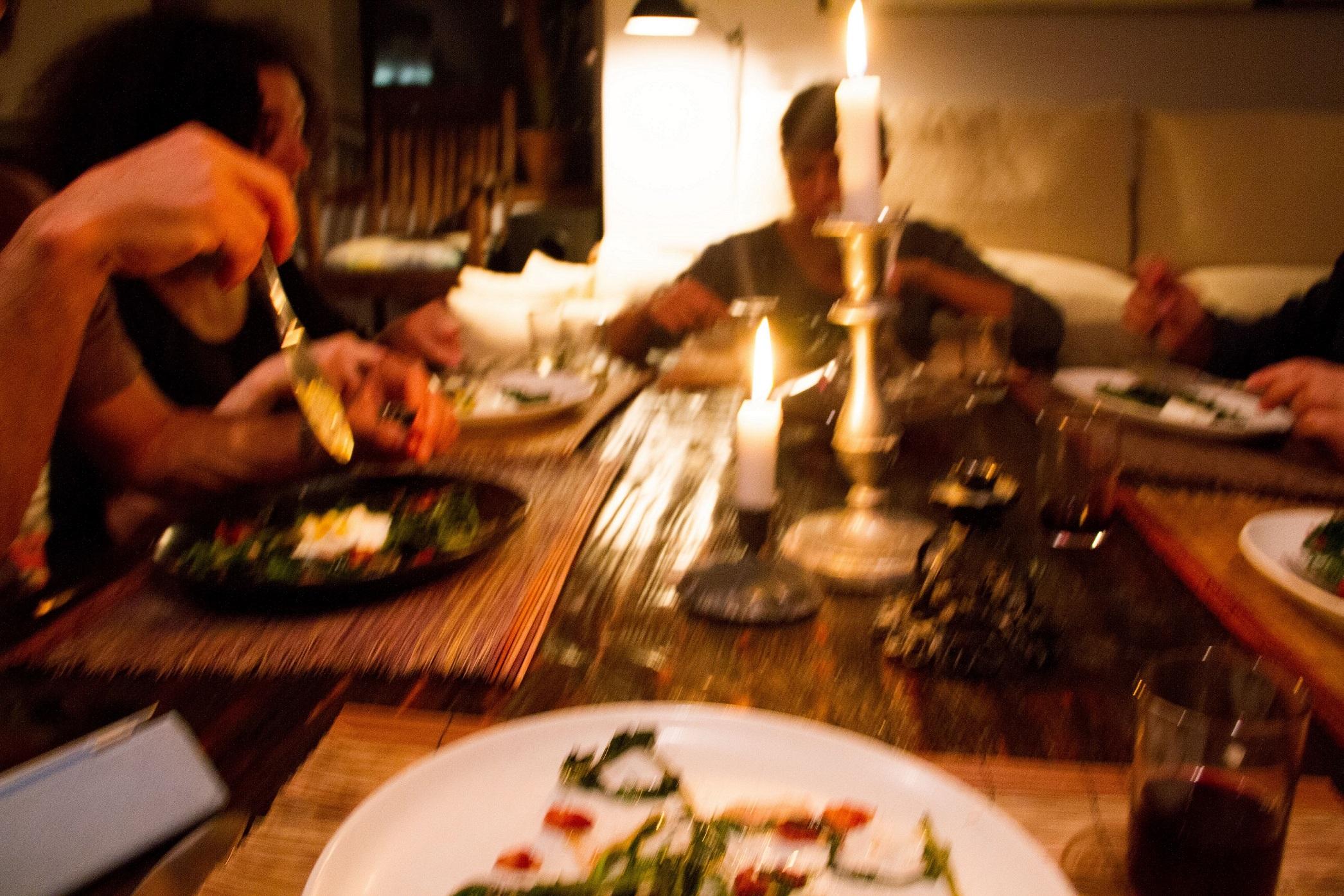 Οι Αθεοι της Ελλάδας ετοιμάζουν τον «Φανερό Δείπνο» και μιλήσαμε μαζί τους