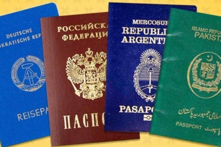 Υπάρχουν μόνο 4 χρώματα στα διαβατήρια ανά τον κόσμο: Tι συμβολίζει το καθένα;