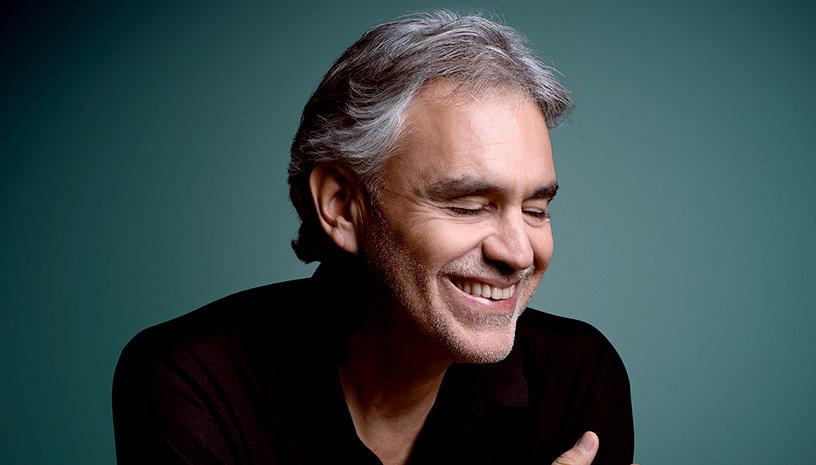 Ο Andrea Bocelli επιστρέφει στην Αθήνα και στη σκηνή του Ωδείου Ηρώδου του Αττικού